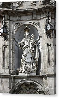 Statue Of Mary In Madrid Canvas Print by Carol Groenen