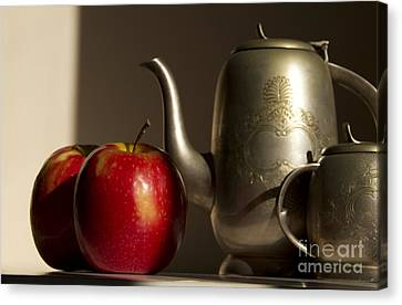Still Life With Red Apples Canvas Print by Rita Kapitulski