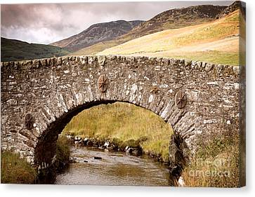 Stone Bridge Highlands  Canvas Print by Jane Rix