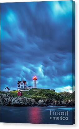 Storm Brewing Canvas Print by Scott Thorp