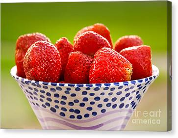 Strawberries Canvas Print by Lutz Baar