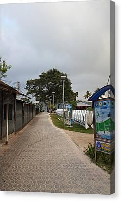Street Scene - Phi Phi Island - 01132 Canvas Print by DC Photographer