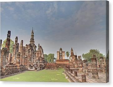 Sukhothai Historical Park - Sukhothai Thailand - 011329 Canvas Print by DC Photographer