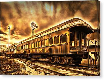 Sundown On The Chicago Eastern Rr Car Canvas Print by Thomas Woolworth