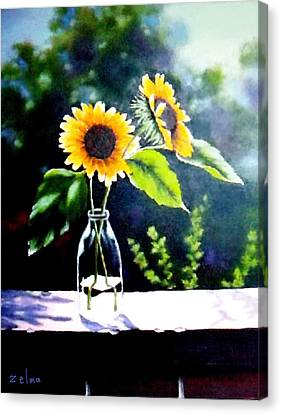 Sunflowers In Clear Vase Canvas Print by Zelma Hensel