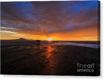 Sunrise On The Bonneville Salt Flats Canvas Print by Holly Martin