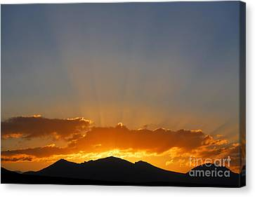 Sunrise Over Mountains Canvas Print by Robert Preston