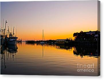 Sunset At Shem Creek Canvas Print by Matthew Trudeau