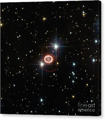 Supernova Sn 1987a Canvas Print by Science Source