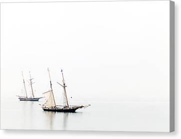 Tail Ship No 2 Canvas Print by Colin Dewar