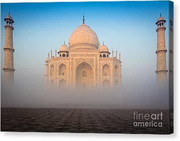 Taj Mahal In The Mist Canvas Print by Inge Johnsson