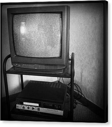 Television And Recorder Canvas Print by Les Cunliffe