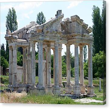 Tetrapylon The Arched Gate Of Aphrodisias Canvas Print by Tracey Harrington-Simpson