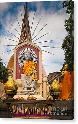 Thai Buddha Canvas Print by Inge Johnsson