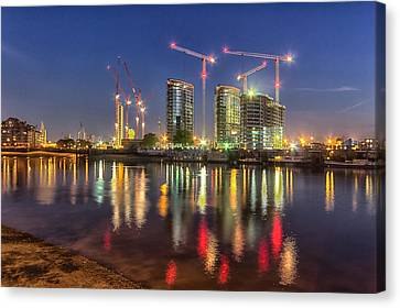 Thames View At Twilight Canvas Print by Ian Hufton