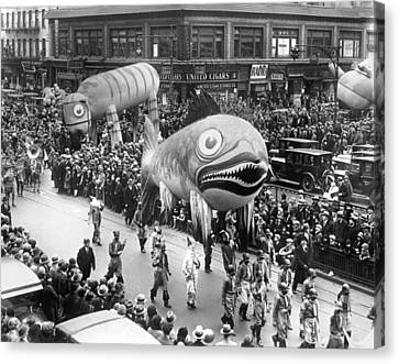 Thanksgiving Day Parade Canvas Print by Underwood Archives