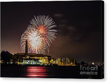 The 4th Of July Canvas Print by Linda Joyce