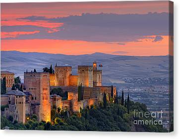 The Alhambra At Sunset Canvas Print by Guido Montanes Castillo