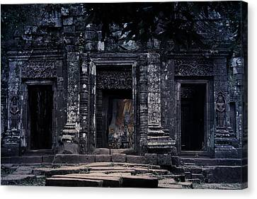 The Facade Of Sanctuary Canvas Print by Nawarat Namphon