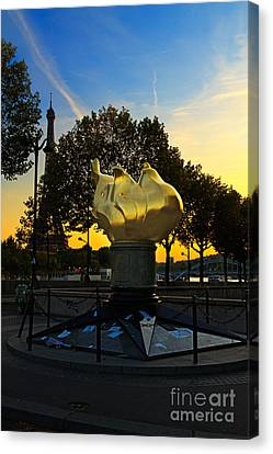 The Flame Of Liberty In Paris Canvas Print by Louise Heusinkveld