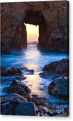 The Gateway - Sunset On Arch Rock In Pfeiffer Beach Big Sur In California. Canvas Print by Jamie Pham