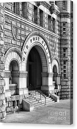 The Old Post Office Pavilion  Canvas Print by Olivier Le Queinec