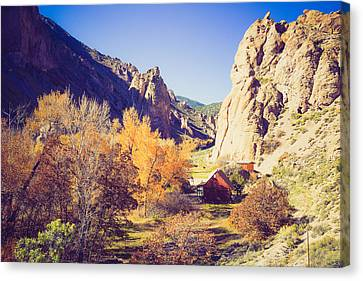 The Old Red Cabin Canvas Print by Gloria Pasko