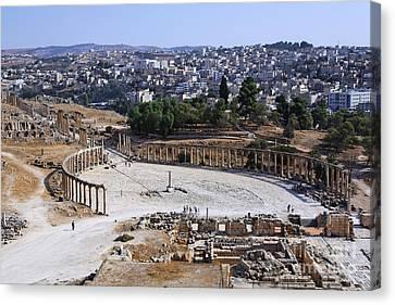 The Oval Plaza At Jerash In Jordan Canvas Print by Robert Preston