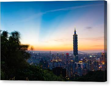 The Sky Of Taipei 101 Canvas Print by Dewa Wirabuwana