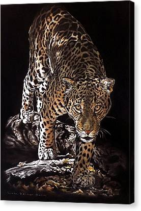 Tikal Out Of The Darkness Canvas Print by Linda Becker