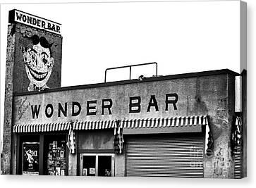Tillie At The Wonder Bar Canvas Print by John Rizzuto