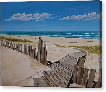 To The Beach Canvas Print by Paul Bennett