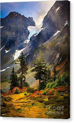 Top Of Cascade Pass Canvas Print by Inge Johnsson