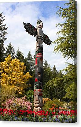 Totem Pole  Canvas Print by Carol Groenen