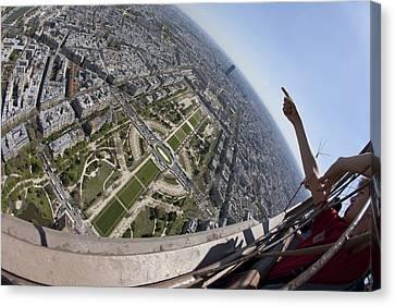 Tour Eiffel 8 Canvas Print by Art Ferrier