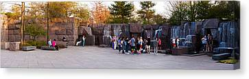 Tourists At Franklin Delano Roosevelt Canvas Print by Panoramic Images