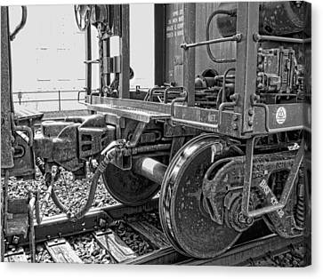 Train Yoke And Knuckle Coupling Canvas Print by Daniel Hagerman