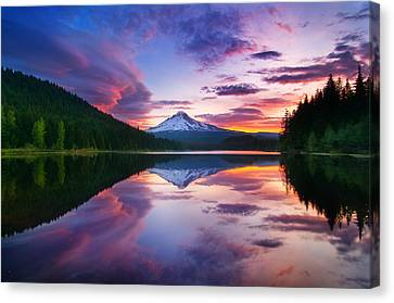 Trillium Lake Sunrise Canvas Print by Darren  White
