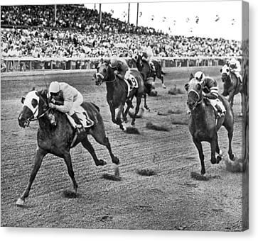 Tropical Park Horse Race Canvas Print by Underwood Archives