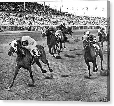 Tropical Park Horse Race Canvas Print by Underwood Archives