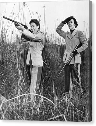 Two Women Hunting Canvas Print by Underwood Archives
