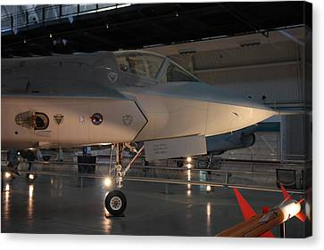 Udvar-hazy Center - Smithsonian National Air And Space Museum Annex - 121221 Canvas Print by DC Photographer