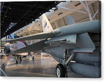 Udvar-hazy Center - Smithsonian National Air And Space Museum Annex - 121237 Canvas Print by DC Photographer