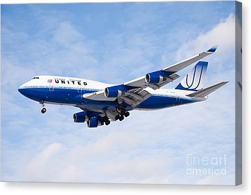 United Airlines Boeing 747 Airplane Landing Canvas Print by Paul Velgos
