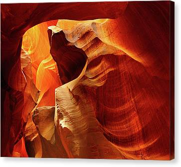 Upper Antelope Canyon, Page, Arizona Canvas Print by Michel Hersen