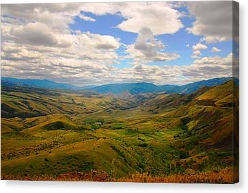 Valley In Northern Idaho Canvas Print by Larry Moloney