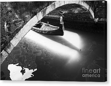 Venetian Canals Canvas Print by Yuri Santin