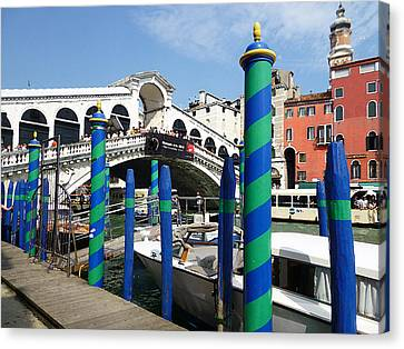 Venice Italy Ponte Di Rialto  Canvas Print by Irina Sztukowski