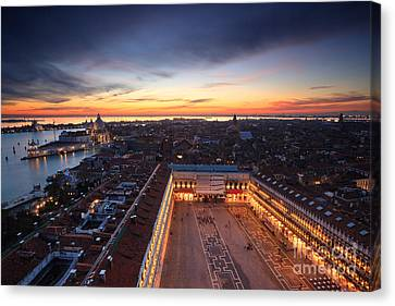 Venice Romance Canvas Print by Matteo Colombo
