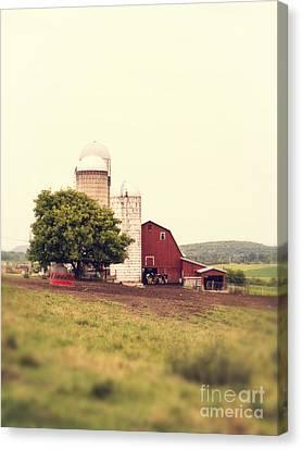 Vermont Family Farm Canvas Print by Edward Fielding
